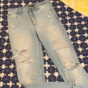 Abercrombie Ripped Skinny Jeans - Light Wash